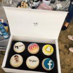 A dzi na deser zjem sobie Facebooka socialmedia cupcakes bryksithellip