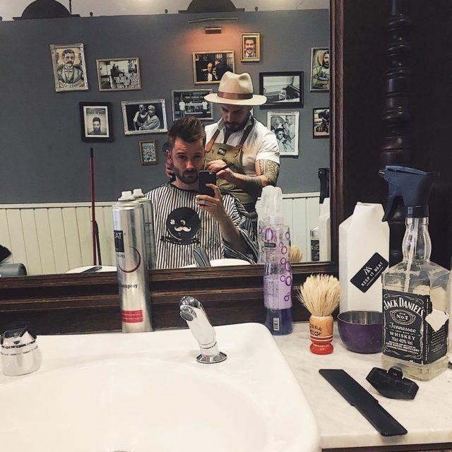 Ten moment kiedy Twj barber to wydziarany hipster w kapeluszuhellip