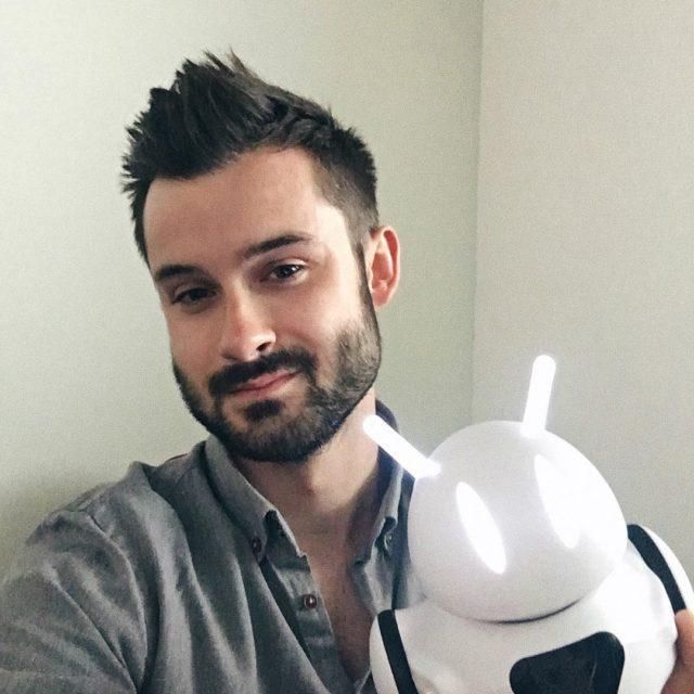 Wanie zaprzyjaniam si z najfajniejszym polskim robotem  Photonem hellip