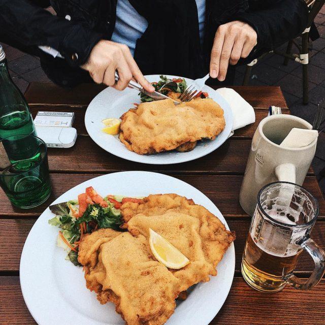 Moja dieta w Wiedniu na jednym zdjciu  Schnitzel! viennahellip